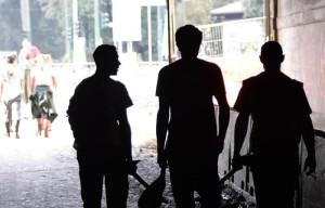 Alluvione Genova: volontari di nuovo al lavoro nel fango